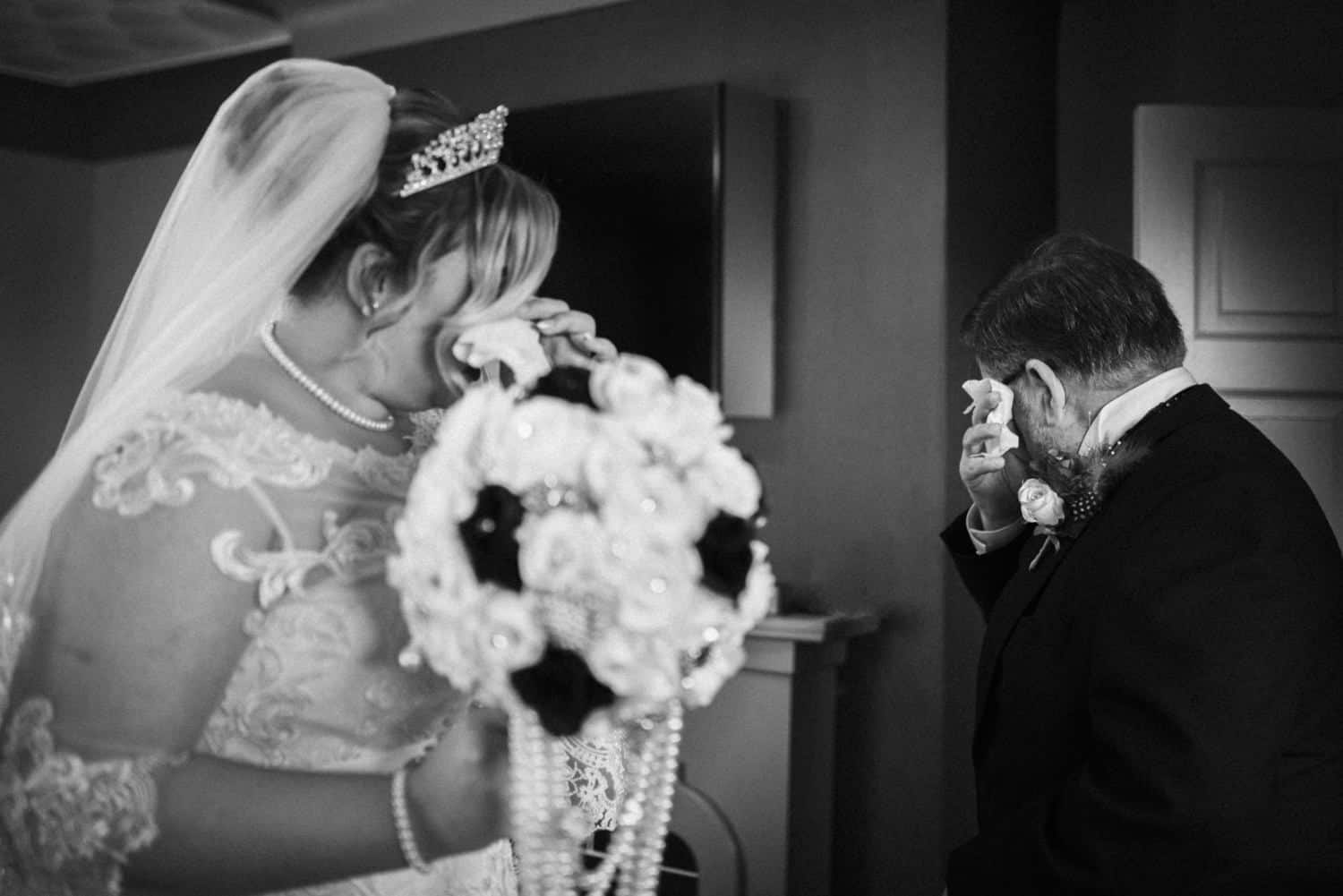 bride and her dad gettng emotional