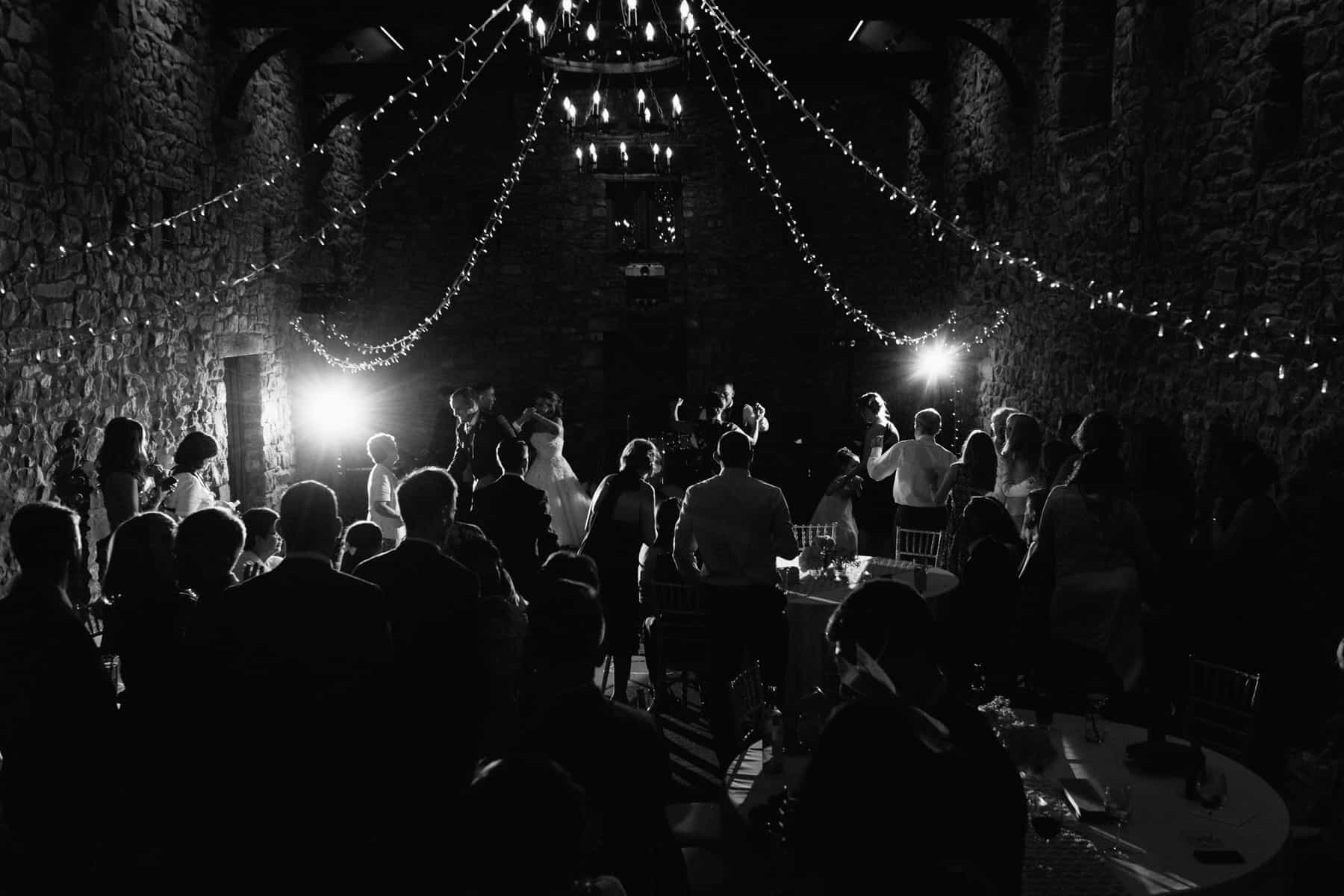 wedding photography guests dancing (1 of 1)-2
